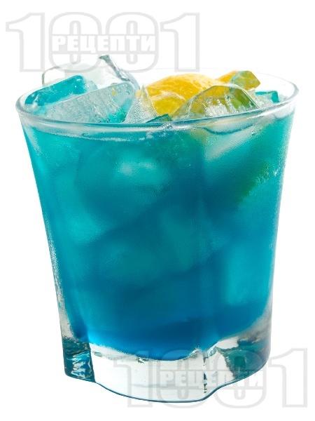 Коктейл Дълбоко синьо море - снимка на рецептата